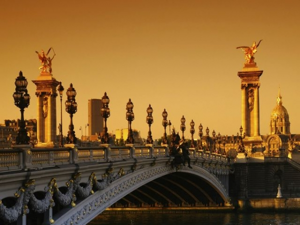 3-Day Paris Tour Package from Brussels w/ The Louvre and Versailles