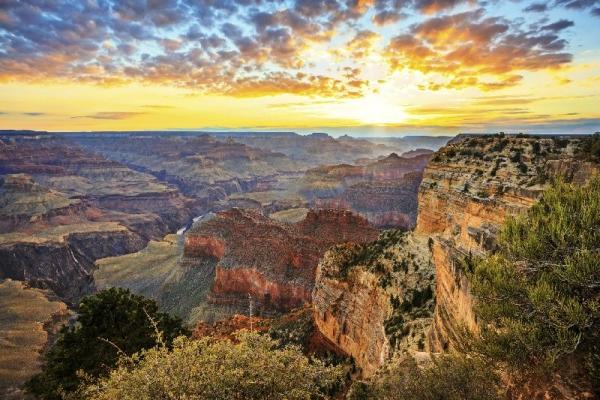 5-Day Las Vegas, Grand Canyon South, Disneyland/San Diego, Universal Studios Bus Tour Package
