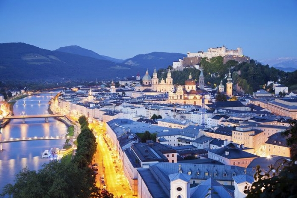 16-Day Western, Central and Eastern Europe Tour from Paris w/ Airport Shuttle Service