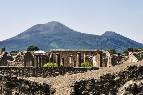 Pompeii Express Half Day Tour from Rome by High-Speed Rail