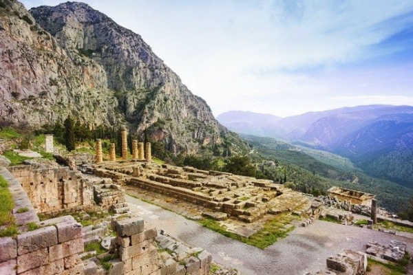 Delphi Day Trip from Athens incl. Archaeological Museum