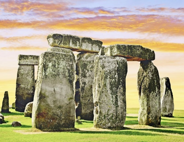 Sunset at Stonehenge Tour from London w/ Lacock and Bath