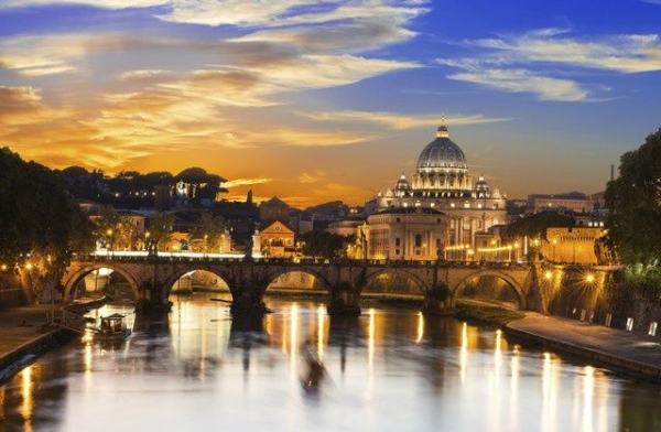 4-Hour Vatican Museums Night Tour w/ Dinner and Sistine Chapel