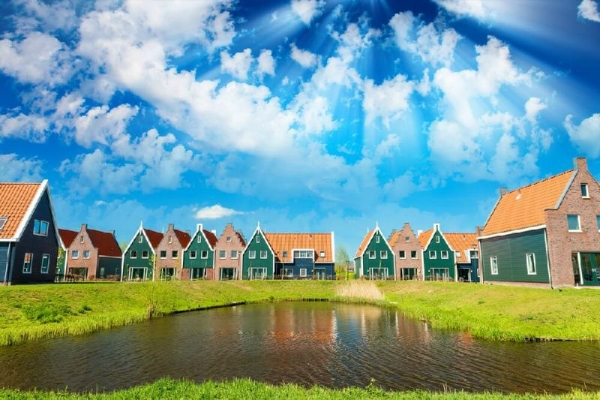 Volendam, Marken and Zaanse Schans Windmills Half Day Tour from Amsterdam