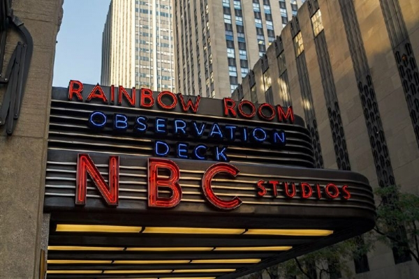 1-Day TV & Movie Locations Tour with Official NBC Studios Tour