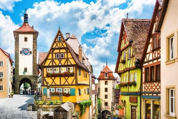 Rothenburg and Harburg Day Trip From Munich