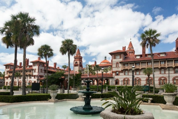 1-Day Miami, West Palm Beach and Sawgrass Mills Mall Shopping Tour