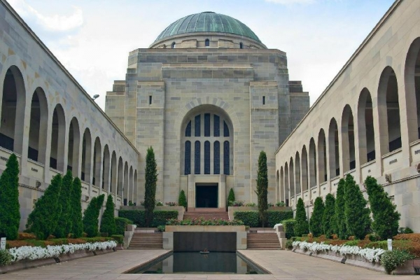 Canberra Day Tour from Sydney