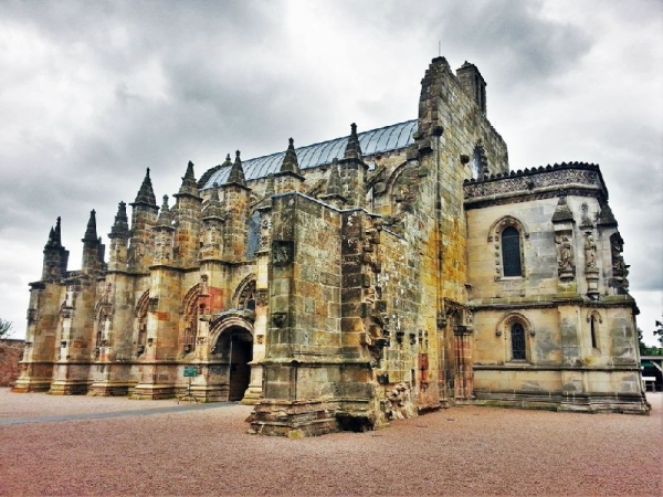 Rosslyn Chapel, Melrose Abbey + Scottish Borders Tour from Edinburgh