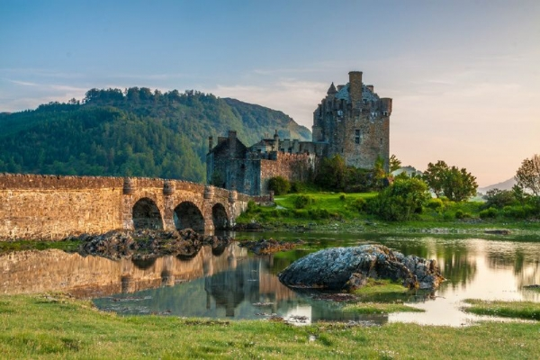 5-Day Loch Ness, Isle of Skye + Scottish Highlands Adventure Tour