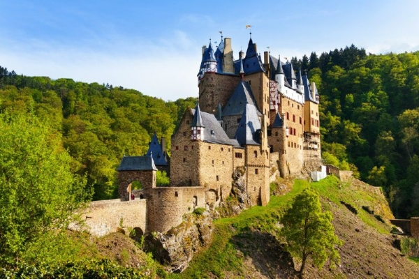 Eltz Castle Day Tour from Frankfurt