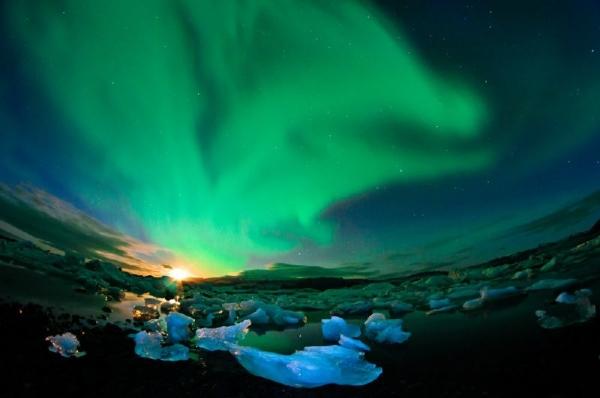 4-Day Iceland Northern Lights City Break: Golden Circle | Blue Lagoon | Snowmobile Safari