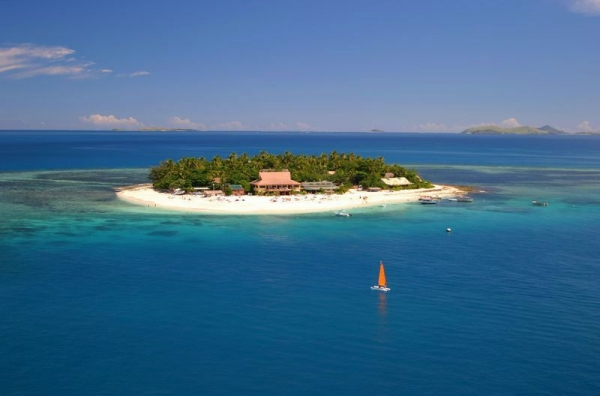 6-Day Fiji Adventure Tour: Robinson Crusoe Island & Beachcomber Island