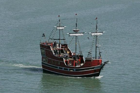 Crucero del Capitan Pirata Memos y Almuerzo