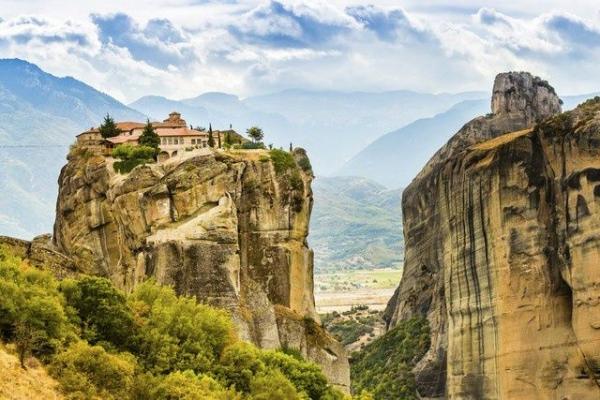 16-Day Ultimate Balkan Tour: Meteora - Dubrovnik - Mostar - Ljubljana - Budapest