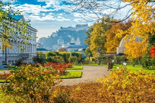 Salzburg Day Trip from Vienna: Salzkammergut + Sound of Music Locations