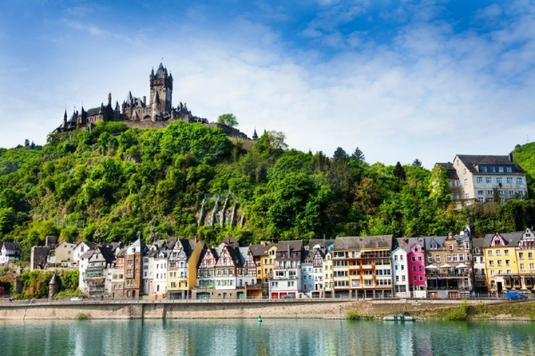 Moselle Valley Day Trip from Frankfurt: Cochem - Zell - Traben-Trarbach - Bernkastel