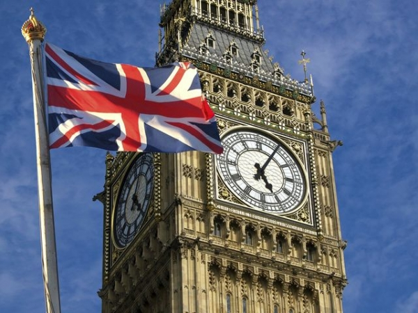 9-Day England and Scotland Tour from Paris w/ Airport Transfers