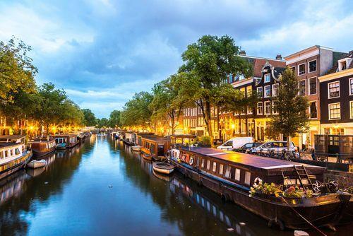 12-Day UK + Western Europe Tour from Paris: London | Edinburgh | Frankfurt | Amsterdam