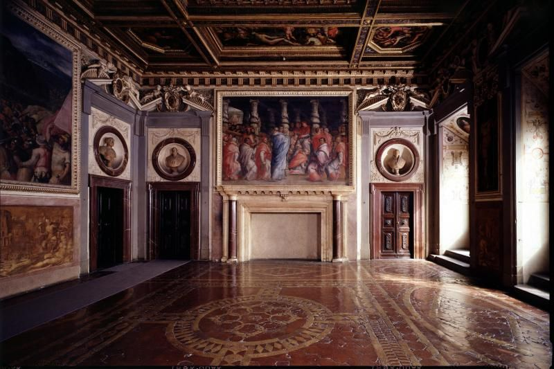 Palazzo Vecchio Secret Passages Tour W/ Lunch