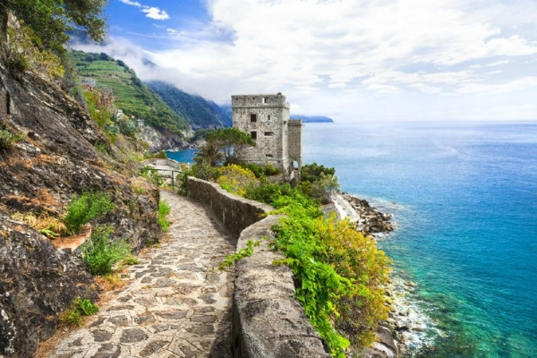 Best of Cinque Terre Semi-Independent Tour from Florence