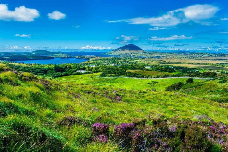 4-Day Western Ireland Small Group Tour from Shannon: Cliffs of Moher - Aran Islands - Connemara