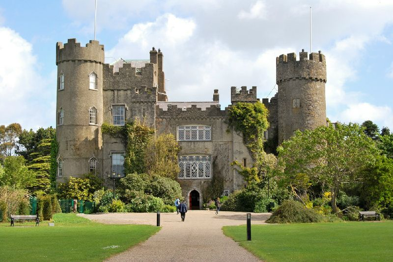 Malahide Castle and North Coast Day Trip from Dublin