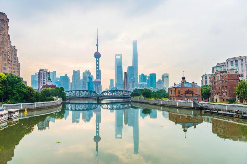 Private Tour of Shanghai Highlights: Shanghai  Museum, Yu Garden, The Bund and Huangpu River Cruise