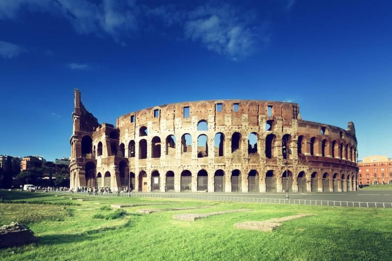 Colosseum and Vatican Museums Tour with Lunch and Hotel Pick-up