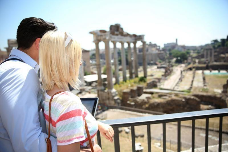 Colosseum and Vatican Museums Tour w/ Lunch and Hotel Pick-up