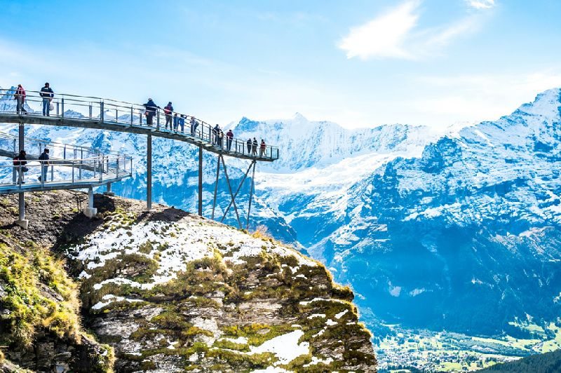 9-Day Prague to Paris Tour Package: Munich | Zurich | Swiss Alps | Lucerne | Bern
