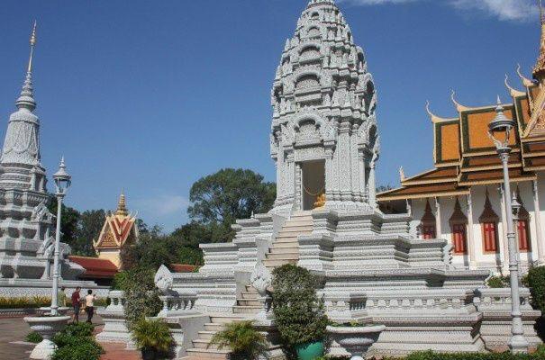 Phnom Penh Sightseeing Tour