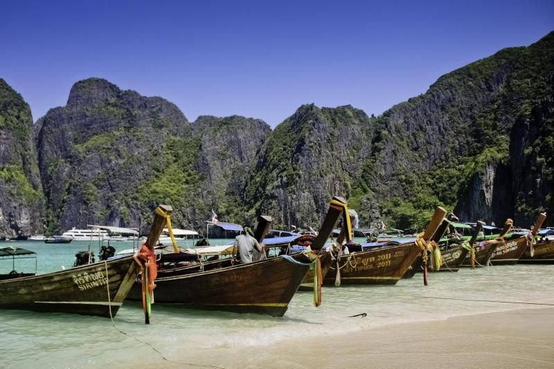 Phi Phi Islands by Speedboat with Lunch