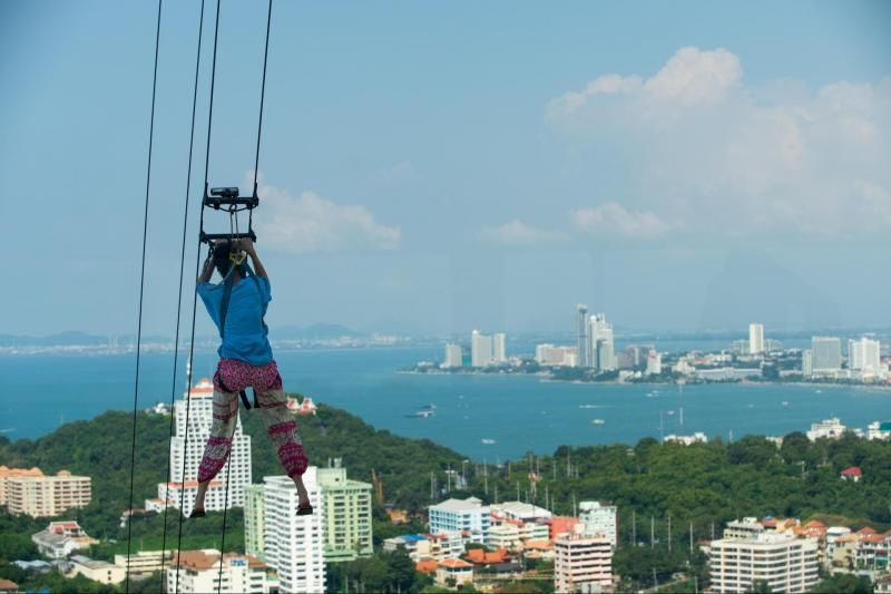 Visit to Pattaya Tower With Tower Jump & Lunch