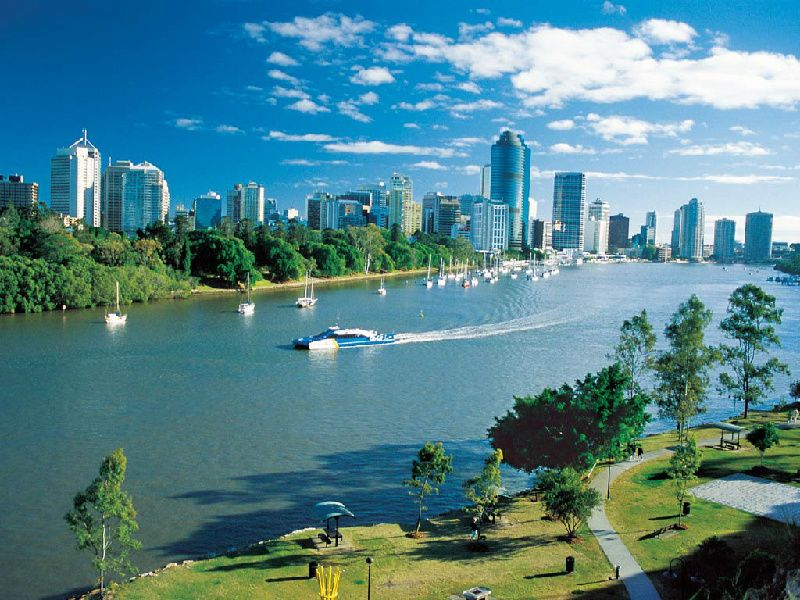 Morning Brisbane City Tour with River Cruise and Wheel of Brisbane