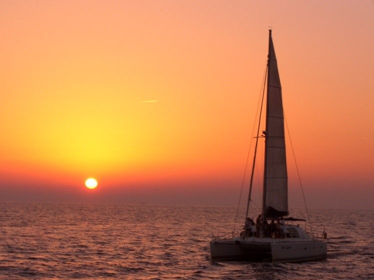 Deluxe Santorini Sunset Cruise