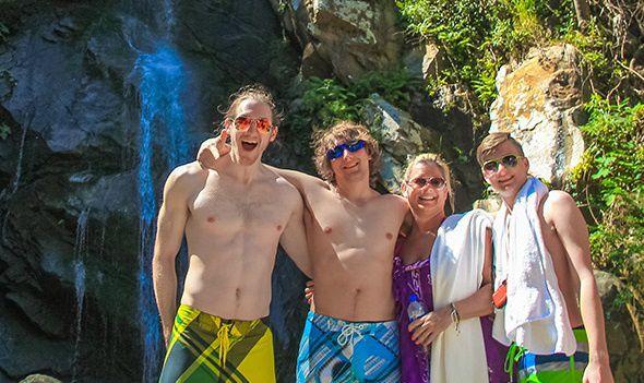 Yelapa and Majahuitas Paradise Cruise