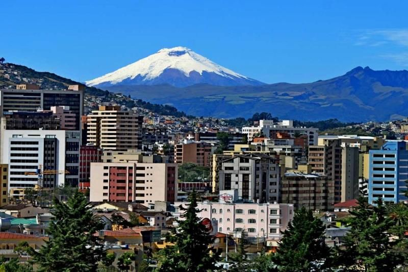8-Day Enchanting Ecuador Tour W/ Flights: Quito - Cuenca - Devil's Nose Triain - Otavalo - Cotopaxi