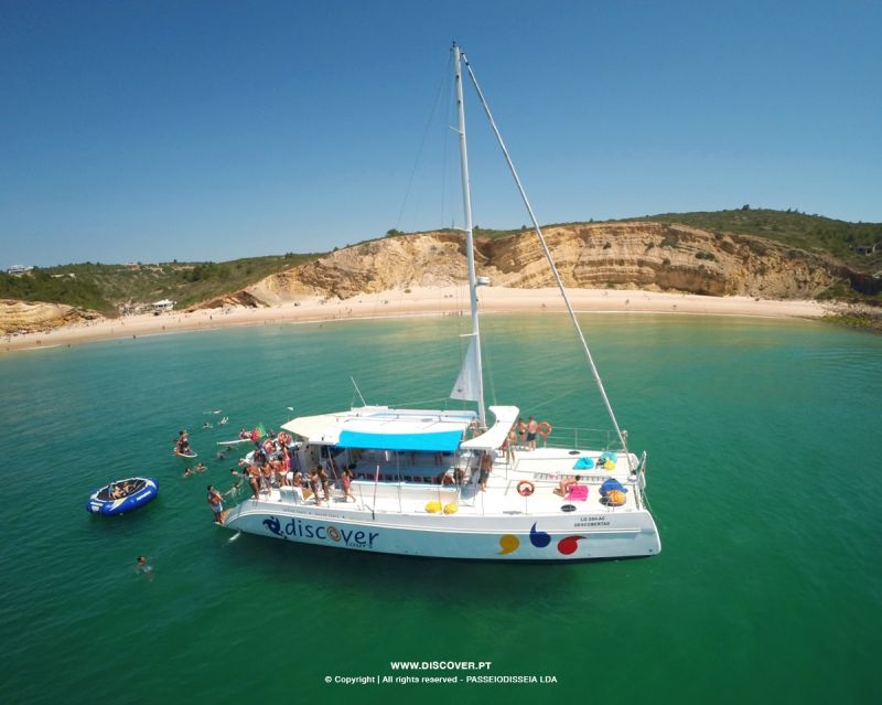 4.5-Hour Lagos Golden Coast Cruise to Cabanas Velhas