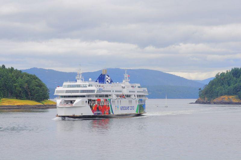 Private Victoria & Butchart Gardens Tour w/ Seattle Ferry