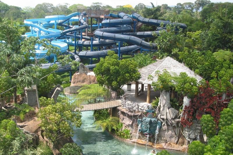 Xocomil Water Park Ticket & Transfer From Guatemala City
