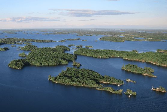 1-Hour Beauty of the Thousand Islands Cruise from Gananoque
