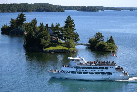 2.5-Hour Lost Ships of the Thousand Islands Cruise from Gananoque