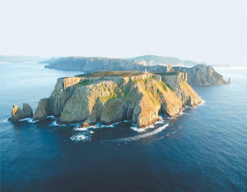 Tasman Island Cruise and Port Arthur Tour from Hobart