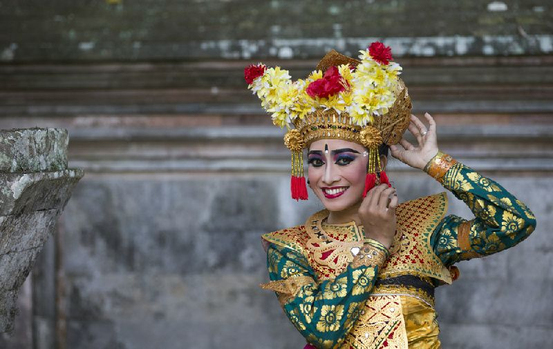 Dancing Lesson at Ubud