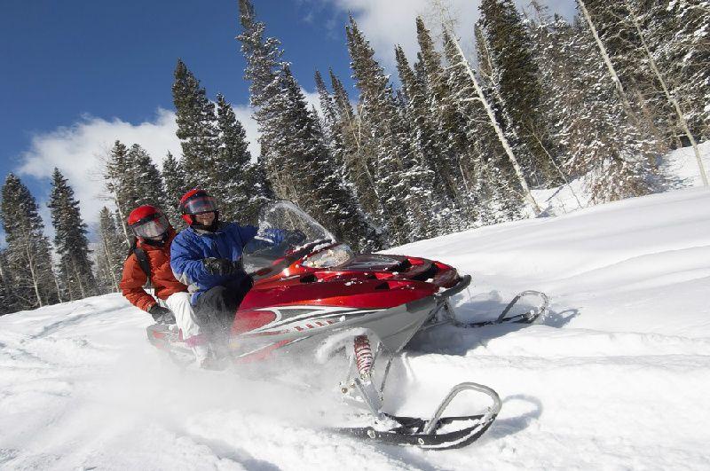 Yellowknife Snowmobile Tour