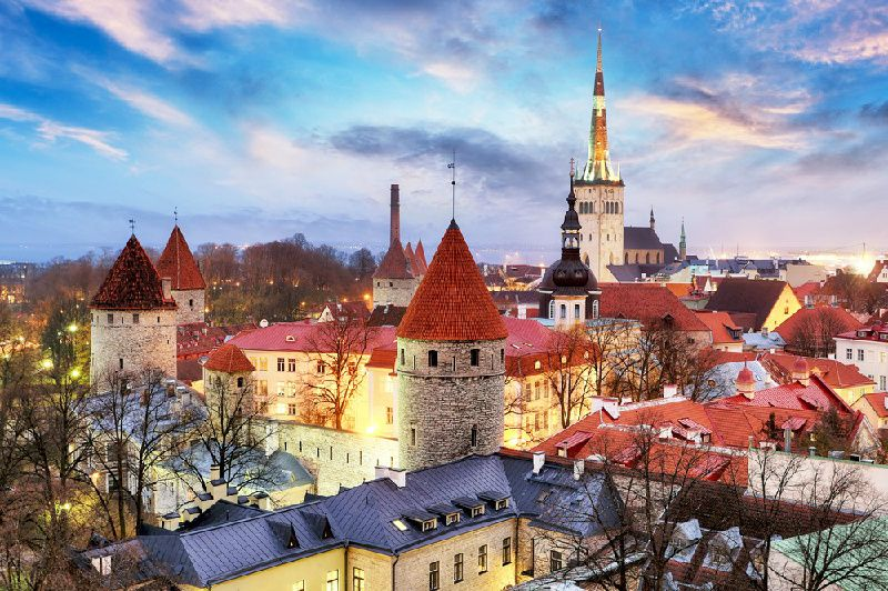 8-Day Baltic Capitals Tour Package: Vilnius to Tallinn