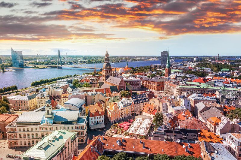 10-Day Baltics, Helsinki, and St. Petersburg Tour from Riga