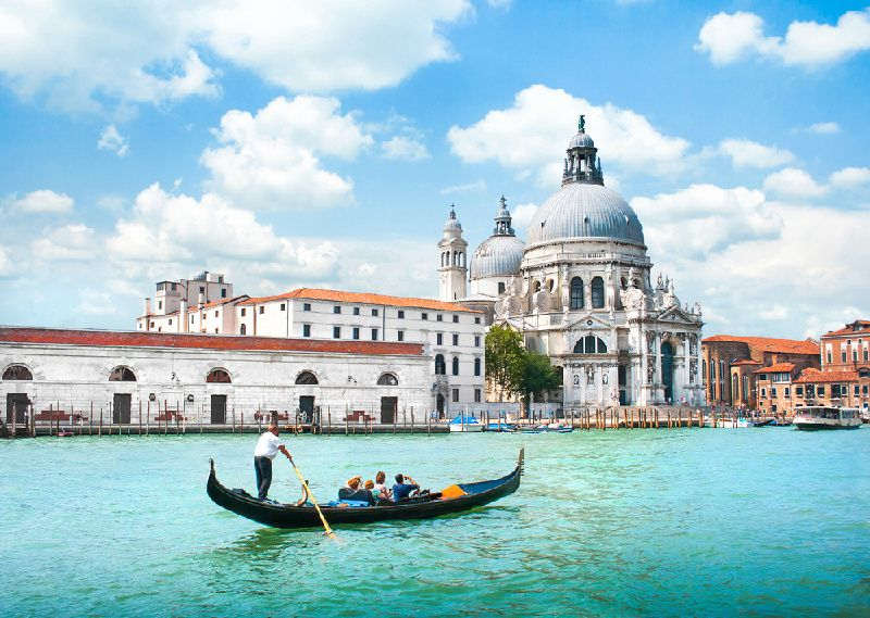13-Day France, Switzerland, and Italy Tour Package: Paris to Venice
