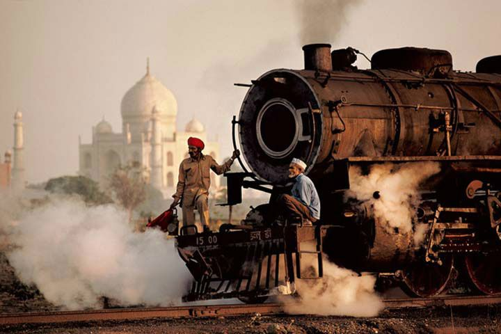 Private Taj Mahal Day Tour by Gatimaan Express Train